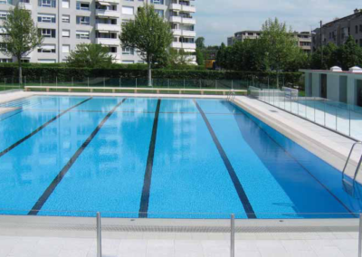 Piscine & Ecole de Marcelly